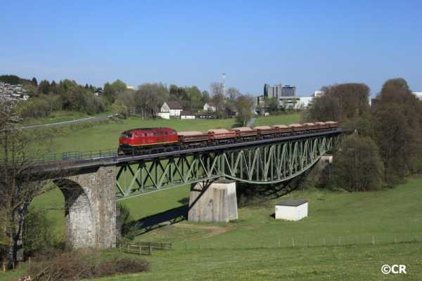 BR 216, Viadukt, Listertalbahn, Schotterzug,